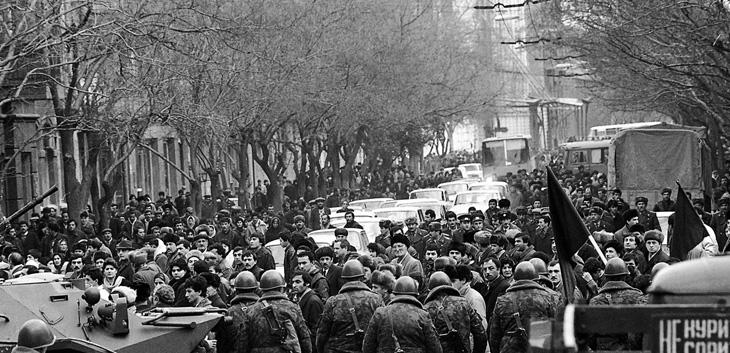 """""""Черный январь"""" Баку 1990: воспоминания о кровопролитии"""