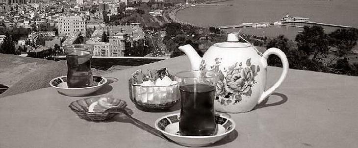 Баку, чайхана в Нагорном парке, 1990-е годы