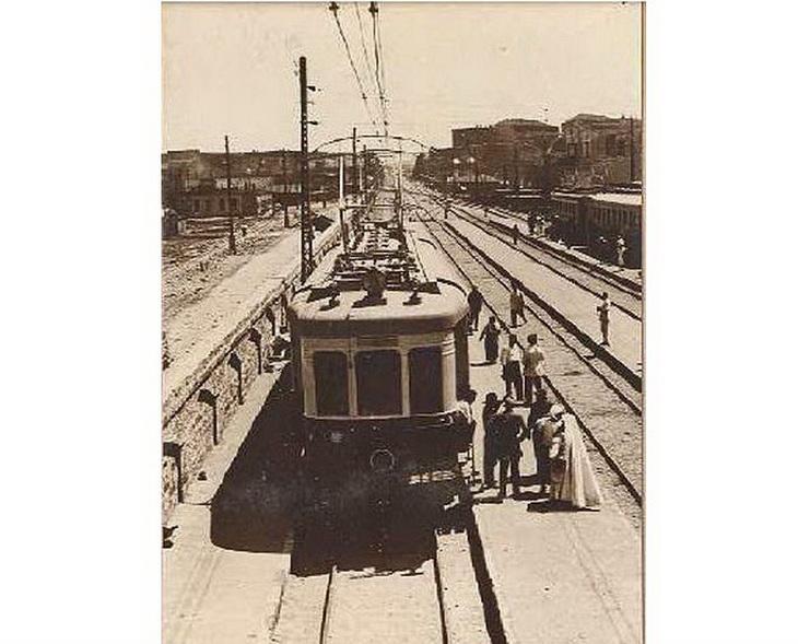 1930. Сабунчи. Электричка на третьем пути на вокзале в Сабунчах.