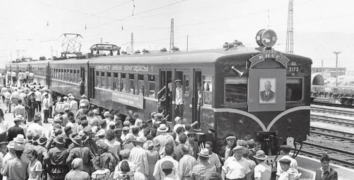 1961. Открытие движения электропоездов на станции Карадаг
