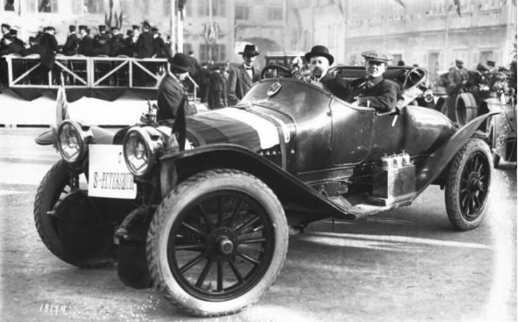 История спортивных автомобилей