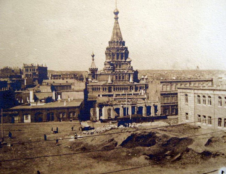 Вид на собор со стороны ул. Николаевской, 1901 год