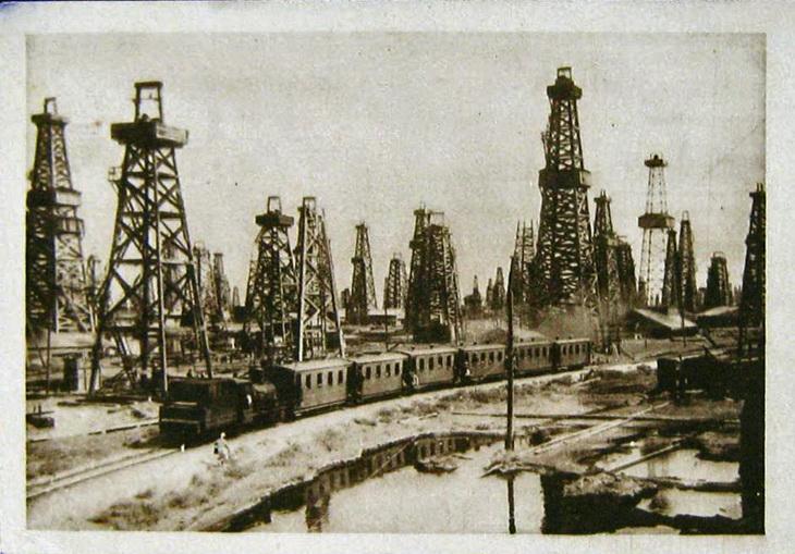 Из серии журнала «СССР на стройке». Промысловая железная дорога в Сураханах. Фото М.Альперта
