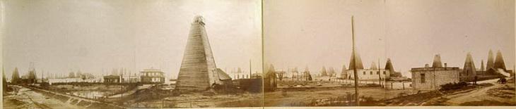 Фото Александра Мишона 1896 года. Вид промысла Торгового дома Бенкендорф и К