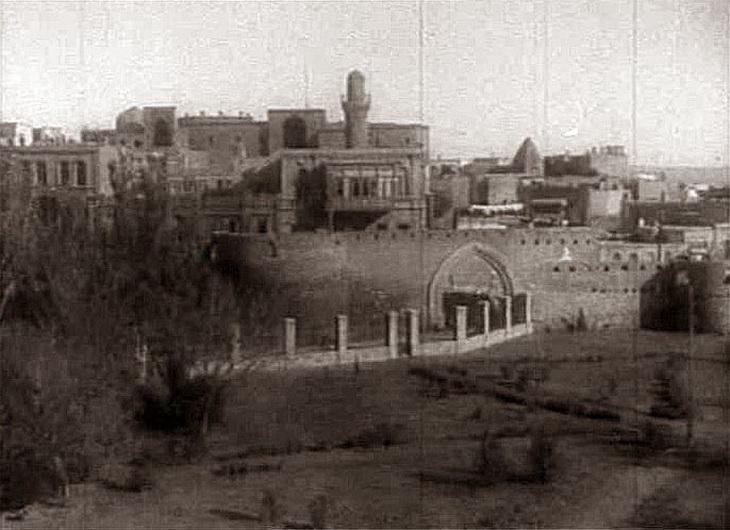 Кадр из хроники 1920-х годов. Вид на крепость и сад