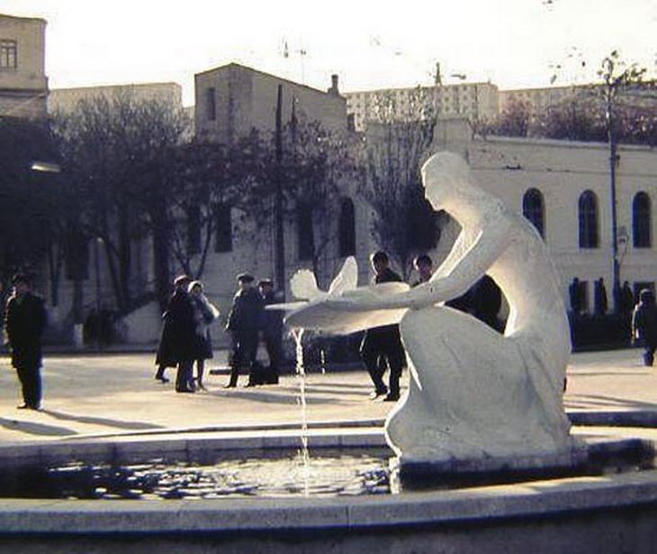 Фото 1968-1972 годов. Вход в сад Пионеров со стороны площади Азнефть