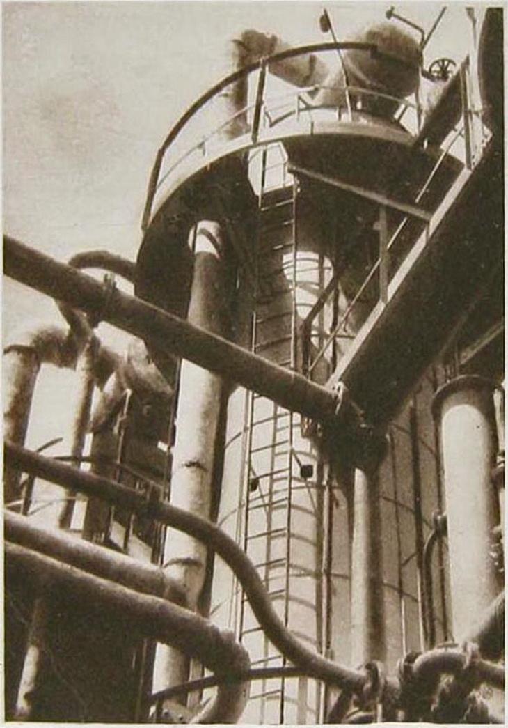 Из серии журнала «СССР на стройке». Завод Гревер