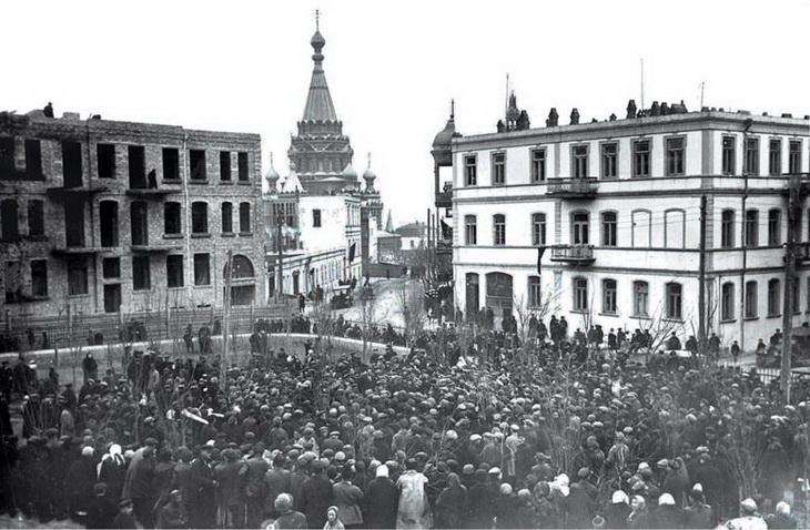 Вид на собор со стороны будущего сада им. Ахундова, 28 января 1930 года
