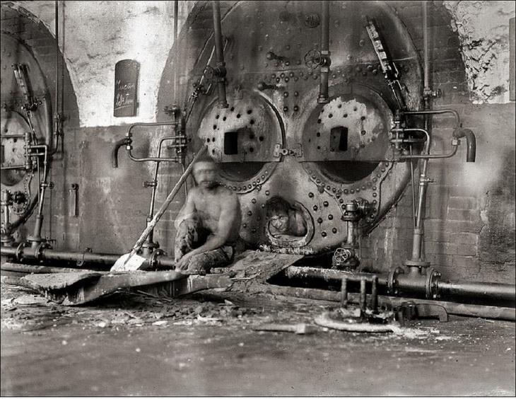 Фото 1912 года. Очистка котлов в Балаханах